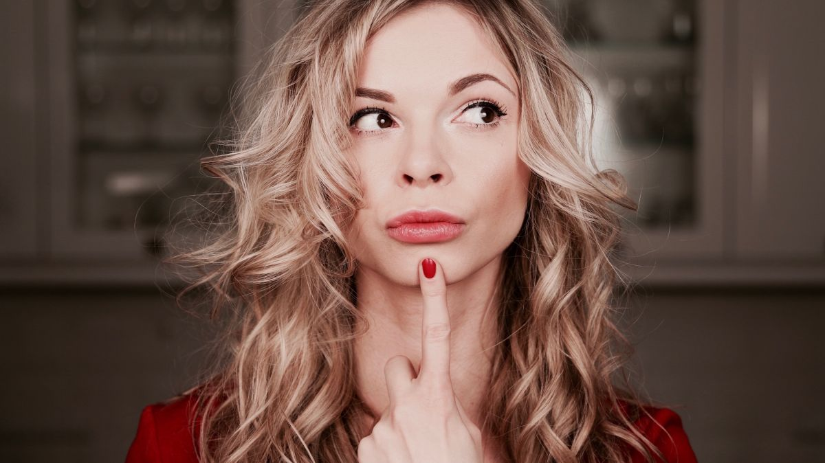 Powiększanie ust kwasem hialuronowym – ile to kosztuje i czy warto to robić?